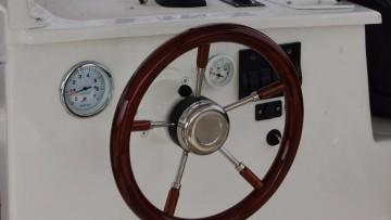 jachty motorowe czarter - jakie uprawnienia
